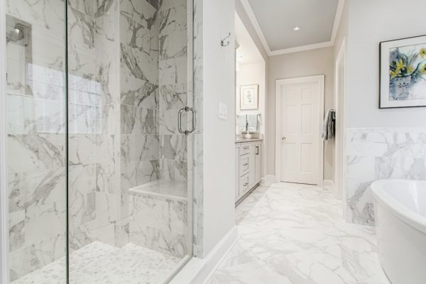 marble-sit-in-shower
